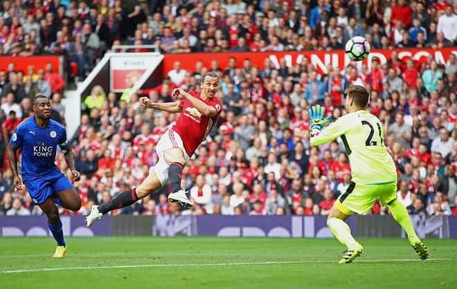 Ngay Ibrahimovic chung minh Rooney la ke het thoi hinh anh 2