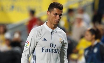 Bao Tay Ban Nha che trach Ronaldo hinh anh