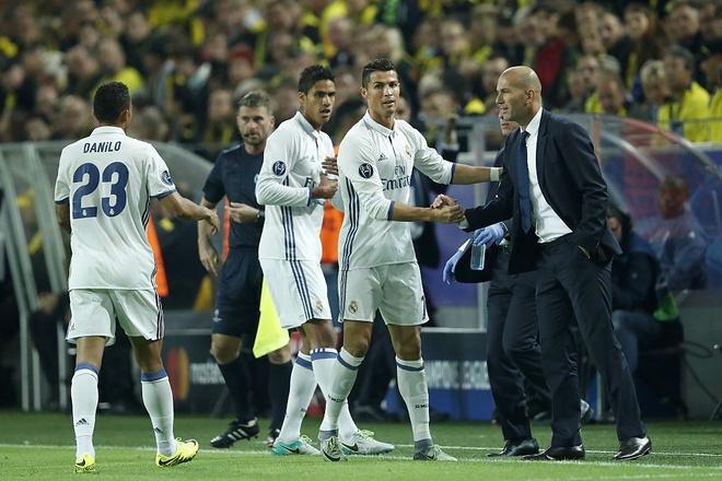 La Diva, la chien binh, la Ronaldo hinh anh 1