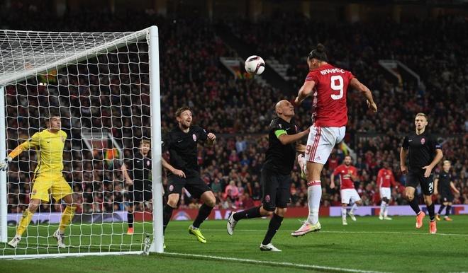 Zlatan Ibrahimovic lap them ky luc hinh anh 1