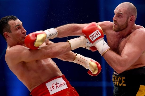 Tyson Fury duong tinh voi cocaine,  co the mat moi danh hieu anh 1