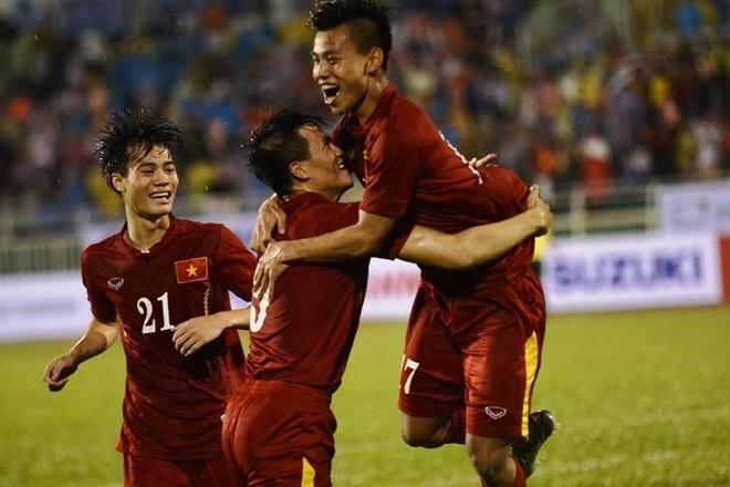HLV Huu Thang: 'Dung dua cac cau thu len may' hinh anh 1