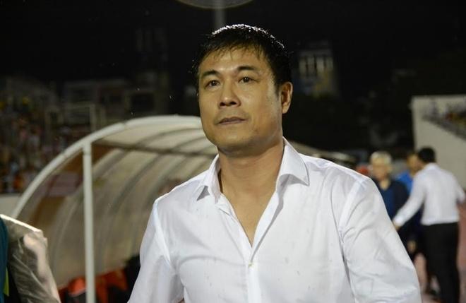 HLV Huu Thang: 'Dung dua cac cau thu len may' hinh anh