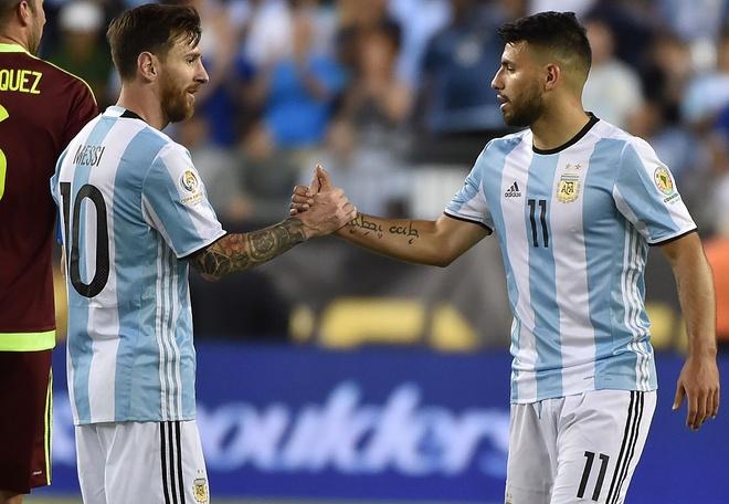 Bao Argentina: Aguero len tuyen nho phe canh cua Messi hinh anh 1