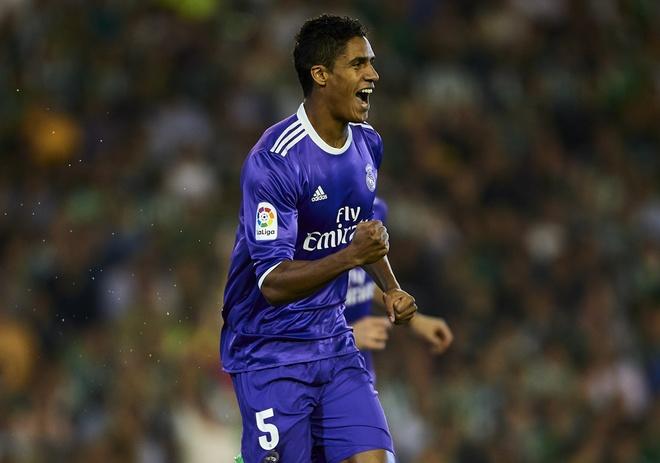 Ronaldo giai han, Real Madrid trut mua ban thang len Betis hinh anh 3
