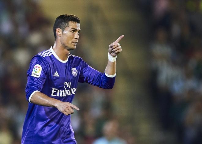 Bi an than duoc tang suc khoe cho Ronaldo anh 1