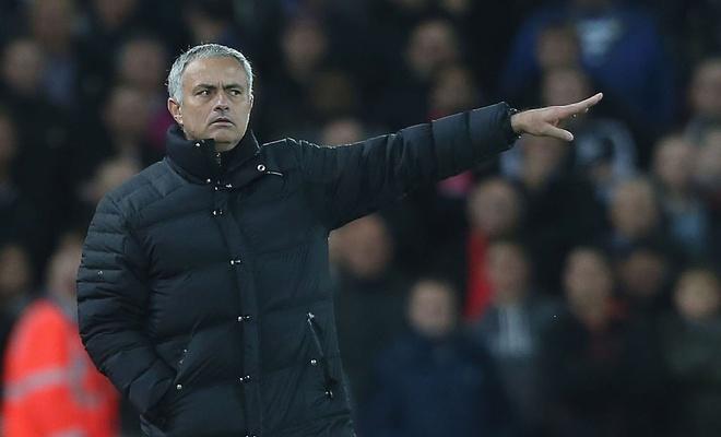 Ru bo 'chat MU', gio la the gioi cua Mourinho hinh anh