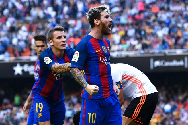 Neymar trung di vat, Messi hung ho thach thuc fan hinh anh