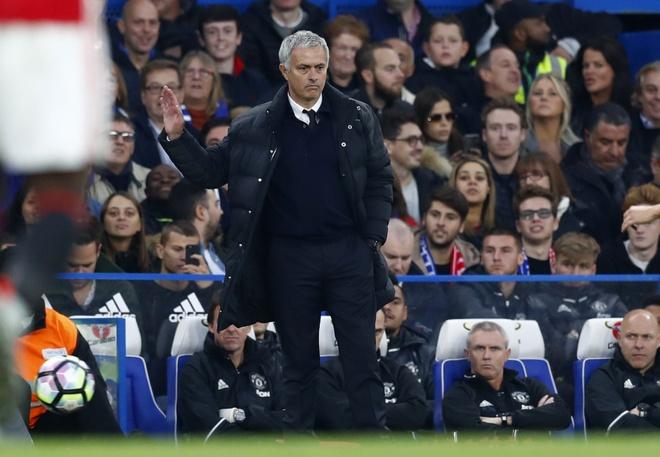 Mourinho tro thanh 'Nguoi binh thuong' hinh anh 1