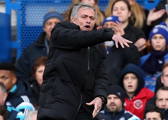 Mourinho truy tim noi gian o MU hinh anh