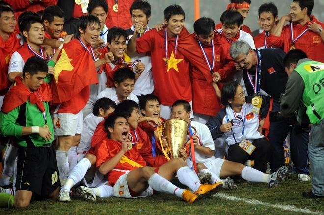 Viet Nam mang hinh bong nha vo dich AFF Cup 2008 anh 1