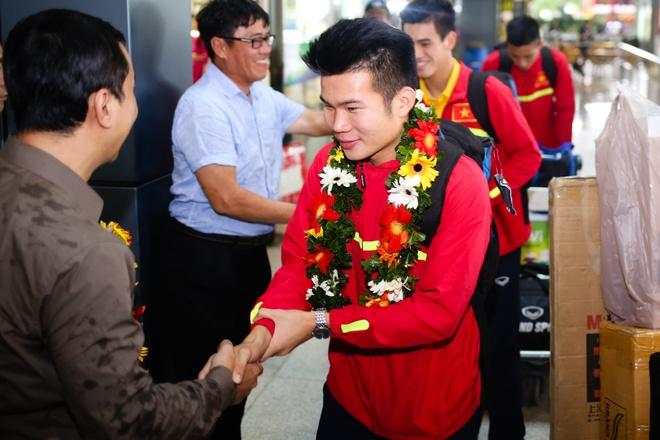 U19 Viet Nam ve nuoc anh 4