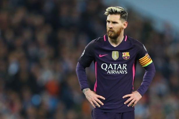 Messi mang cau thu Man City 'ngu ngoc' hinh anh