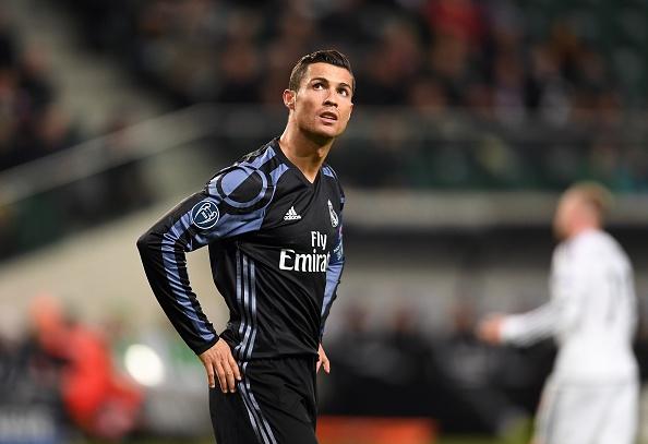 Ronaldo bi to giam dap hau ve doi thu hinh anh