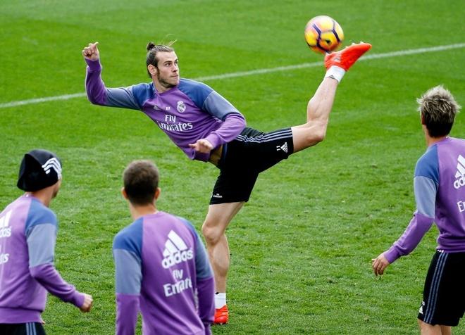 Ronaldo thi trien kung-fu tren san tap hinh anh 6