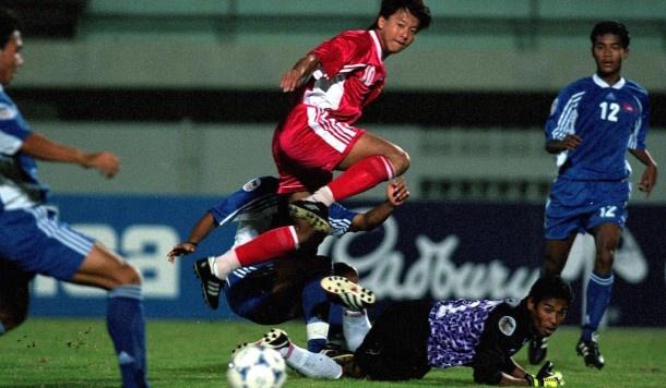 Tran Viet Nam - Indonesia vao top 3 khoanh khac AFF Cup hinh anh
