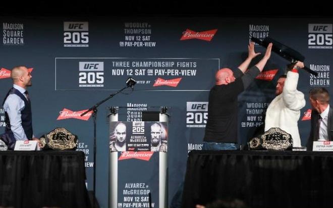 Conor McGregor vs Eddie Alvarez anh 1