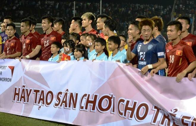 HLV Huu Thang: 'Dung trach Cong Phuong ca nhan' hinh anh 2