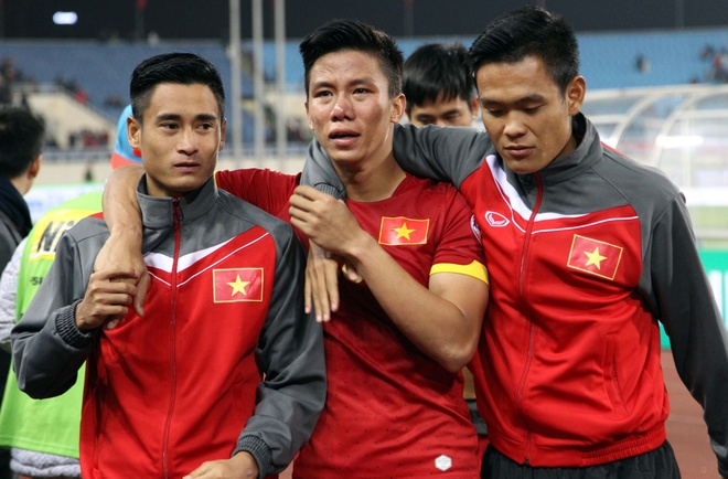 Nam 2014, Cong Vinh, Que Ngoc Hai khoc nuc no vi Malaysia hinh anh