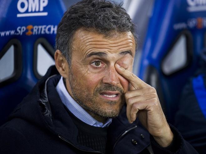 Luis Enrique thot len 'te hai' khi noi ve phong do Barca hinh anh