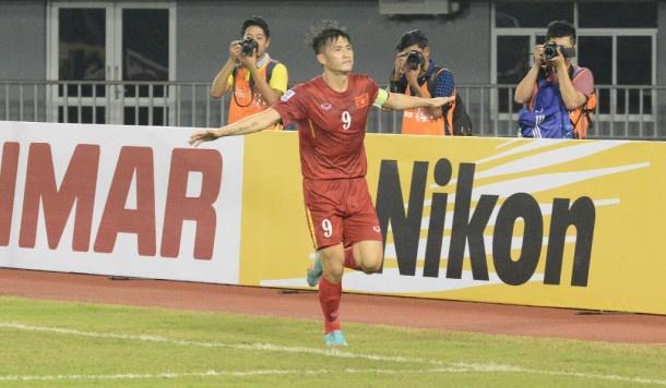 Khong can nhu Messi, lich su van goi ten Cong Vinh hinh anh 3