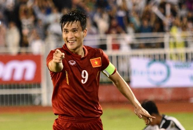 Cong Vinh la tam diem cua DT Viet Nam tai ban ket AFF Cup hinh anh