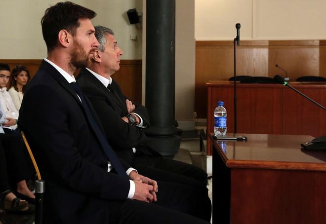 Messi va Ronaldo tron thue bang ban quyen hinh anh hinh anh 3