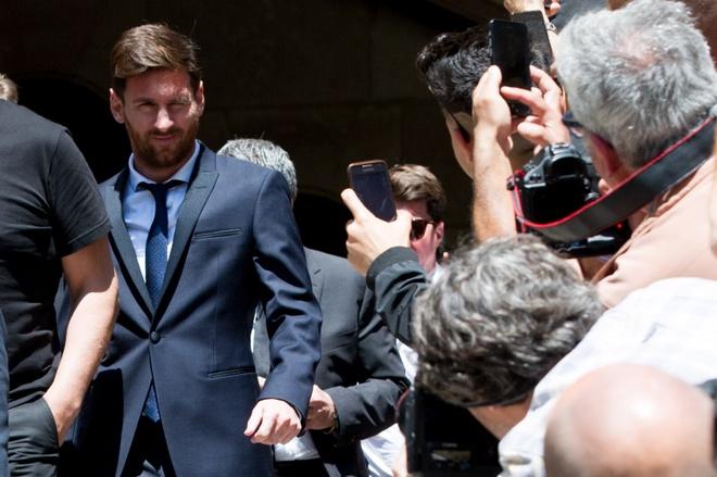 Messi va Ronaldo tron thue bang ban quyen hinh anh hinh anh