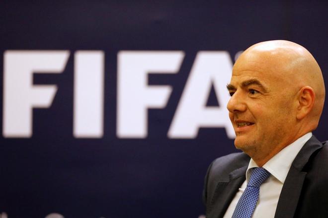 Chu tich FIFA khen tran Viet Nam - Indonesia hap dan hinh anh