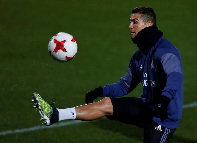 Ronaldo,  choi bong thong minh de khac biet anh 1