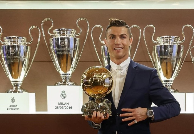Ronaldo choi bong thong minh de luon la so 1 hinh anh