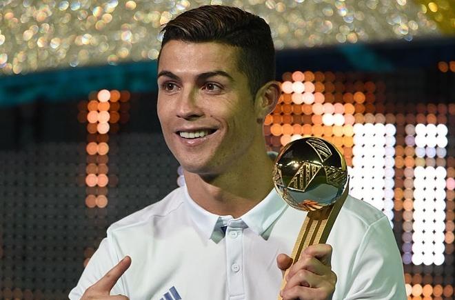 Truyen thong tiet lo Ronaldo tiep tuc vuot mat Messi hinh anh 1