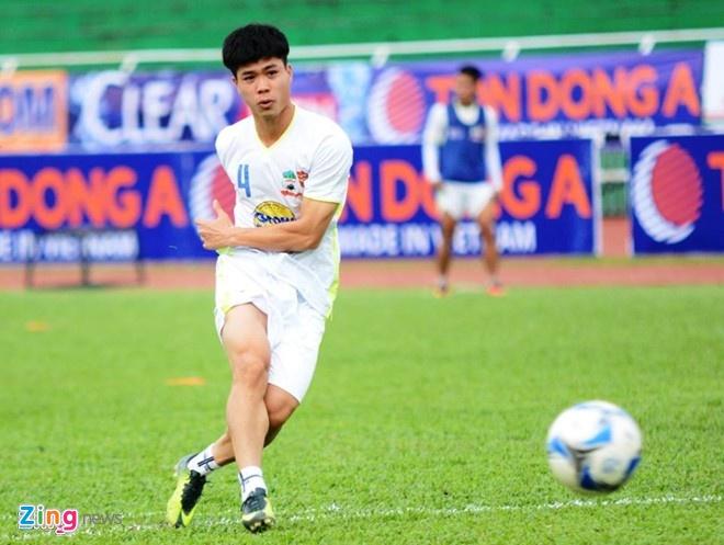 Thay Giom khong bat ngo khi Cong Phuong ghi ban hinh anh 1