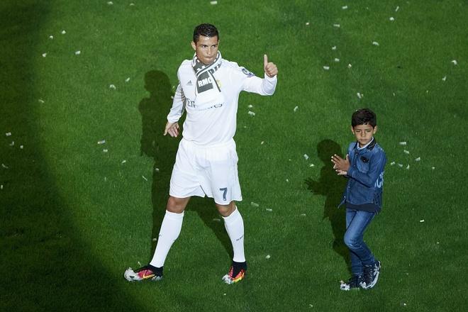 Ronaldo: 'Toi khong than tuong ai ca' hinh anh 1