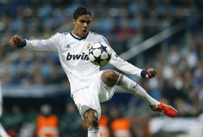 Ronaldo ngoai cuoc trong doi hinh gia tri nhat hanh tinh hinh anh 3