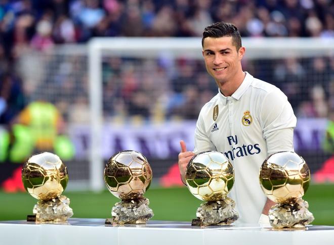 Kho ai ngan Ronaldo gianh giai 'Cau thu hay nhat nam 2016' hinh anh