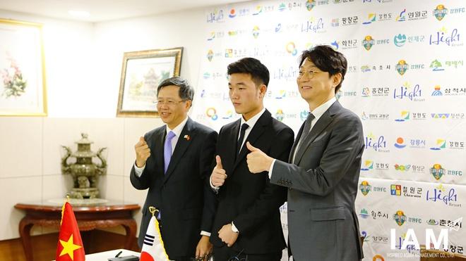 'Xuan Truong sang Gangwon giong nhu Park Ji Sung toi MU' hinh anh 1