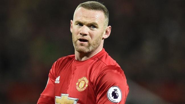 Mourinho gay bat ngo voi tuong lai cua Rooney anh 1