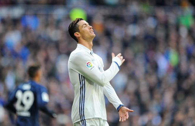 Ronaldo giua ranh gioi so 1 va so 0 anh 1