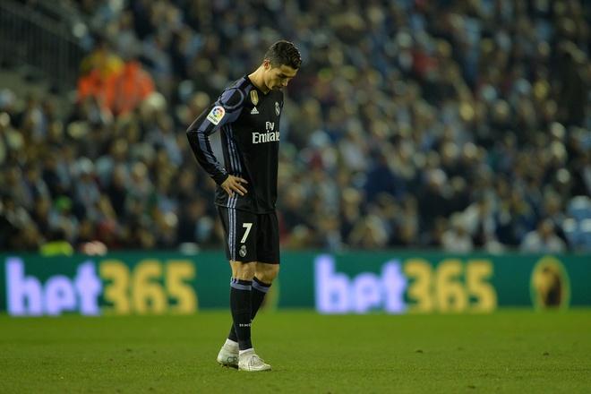 Ronaldo va Messi doi lap thoi diem hien tai anh 3