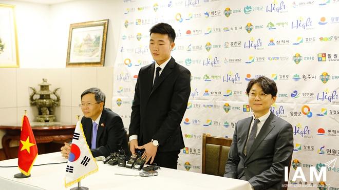 Xuan Truong lien tiep ghi diem tai Gangwon FC hinh anh 1