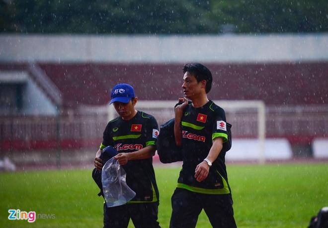 Cong Phuong tich cuc 'luyen cong' o tuyen U23 VN hinh anh 10