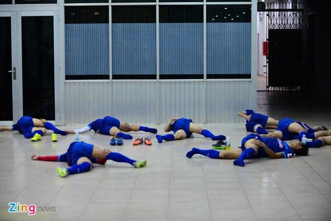 Cong Phuong tich cuc 'luyen cong' o tuyen U23 VN hinh anh 12
