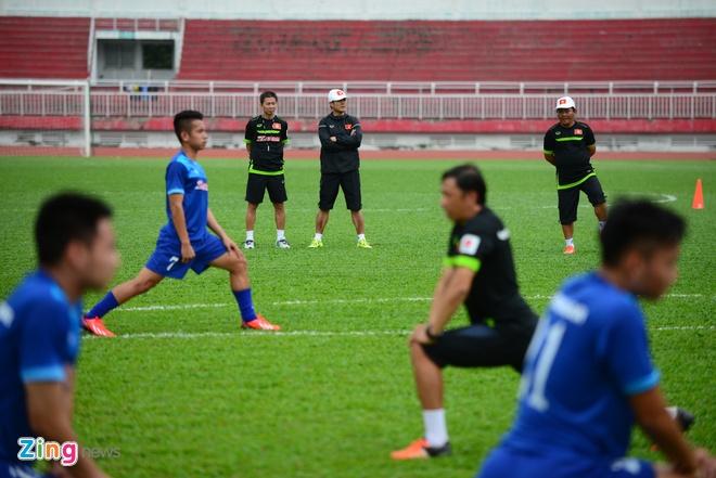 Cong Phuong tich cuc 'luyen cong' o tuyen U23 VN hinh anh 5