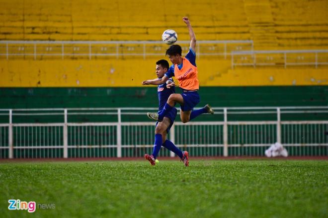 Cong Phuong tich cuc 'luyen cong' o tuyen U23 VN hinh anh 6