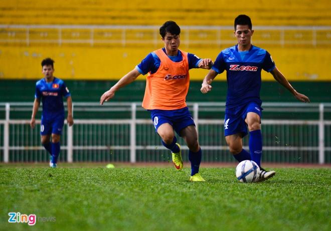 Cong Phuong tich cuc 'luyen cong' o tuyen U23 VN hinh anh 9
