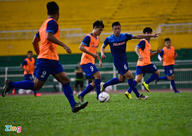 Cong Phuong tich cuc 'luyen cong' o tuyen U23 VN hinh anh 8
