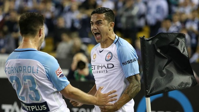 Tim Cahill 'an' the do hai huoc tai que nha anh 1