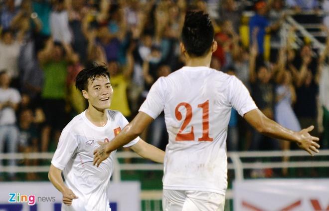 HLV Huu Thang khong muon U23 Viet Nam 'len may' hinh anh