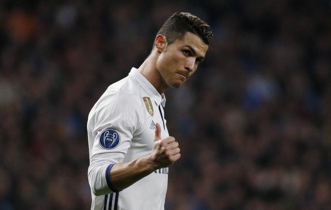 Ronaldo ngay cang choi dong doi hon hinh anh